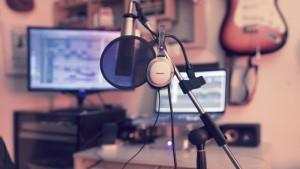 Lettere og billigere å produsere musikk i et hjemme laget studio enn før. Foto: musicproducersforum.com